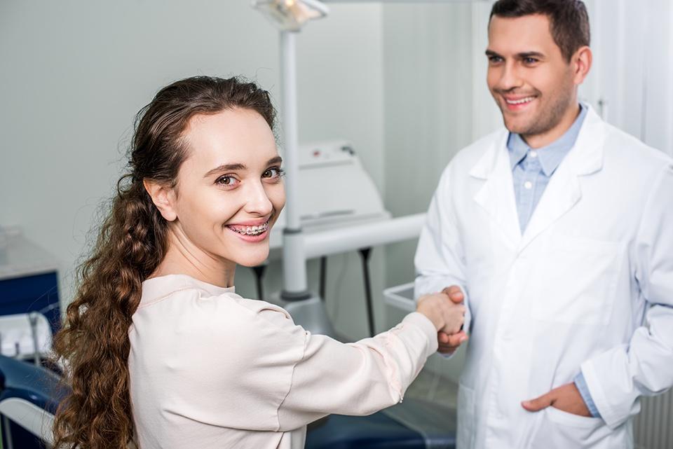 Como escolher o melhor aparelho dentário?